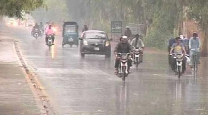 لاہور سمیت پنجاب کے کئی علاقوں میں آندھی ،بارش ،تیز ہوائیں کوئٹہ میں اپریل کے مہینے میں برفباری