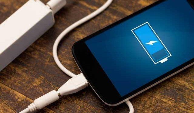 خبر دار رہیئے کیونکہ سمارٹ فون کی بیٹری سے جاسوسی ممکن ہے