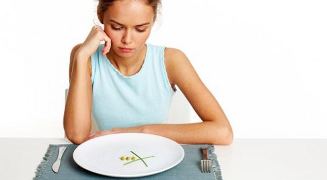 وہ عادات جن کیوجہ سے آپ خود کو بھوکا محسوس کرتے ہیں ، ختم کیسے کی جا سکتی ہیں ؟ دیکھئے آسان حل