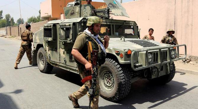 افغان شہر جلال آباد میں محکمہ تعلیم کی عمارت پر حملہ، 10 افراد جاں بحق