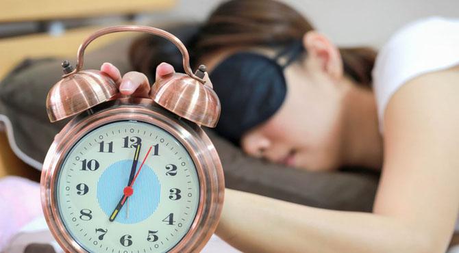 ہارٹ اٹیک یا فالج سے بچنے کیلئے اتنے گھنٹے نیند ضروری