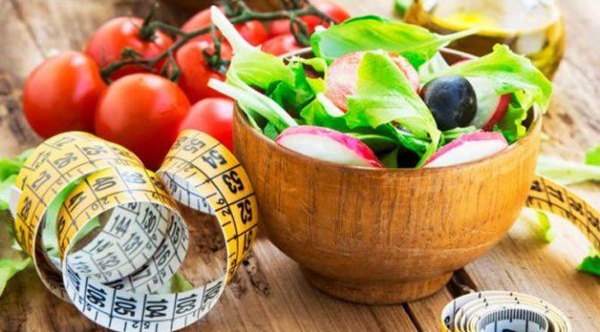 پھلوں، سبزیوں اور پانی سے وزن کم کرنے کے آزمودہ طریقے
