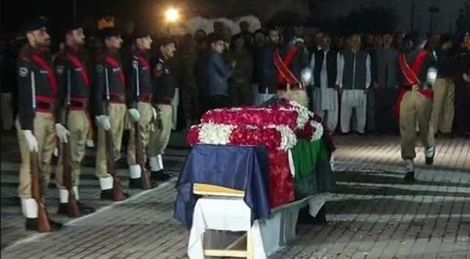 شہید ایس پی طاہر داوڑ کو پشاور میں سپرد خاک کردیا گیا