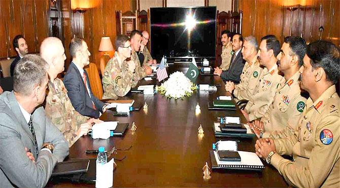 افغانستان میں امن انتہائی ضروری ، پاکستان رکاوٹوں کے باوجود علاقائی استحکام کو یقینی بنائیگا : آرمی چیف