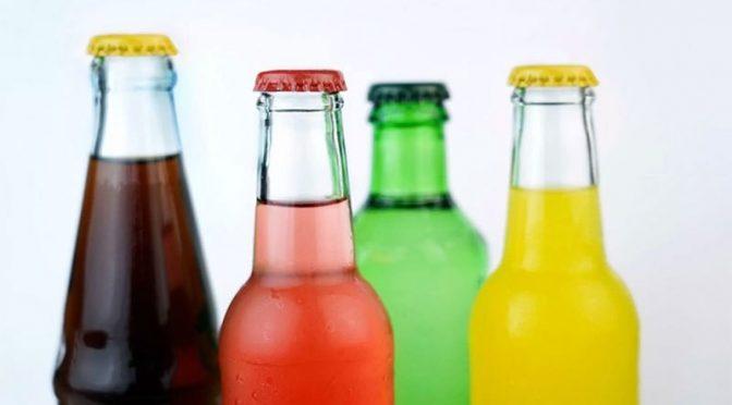 میٹھے مشروبات کا استعمال جلد موت کا خطرہ بڑھائے، تحقیق