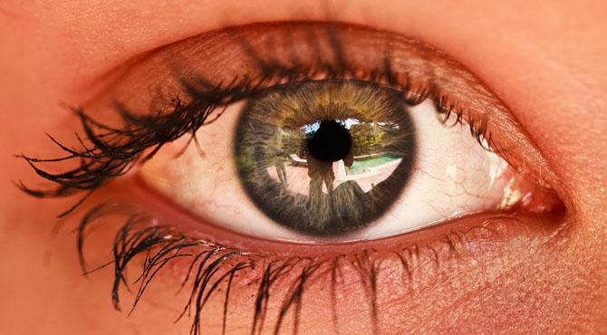 پہلی بار روبوٹ سے  انسانی آنکھ کی کامیاب سرجری