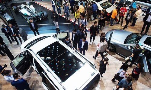 چین: کاروں کی سالانہ فروخت میں 20 سال بعد کمی