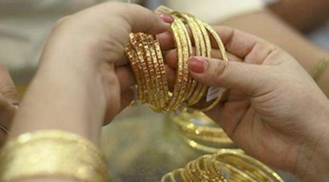 سونے کی فی تولہ قیمت ملکی تاریخ کی بلند ترین سطح 72ہزار 200 روپے تک جا پہنچی