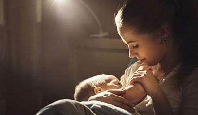 مائیں بچوں کو دودھ پلائیں اور امراضِ قلب سے محفوظ رہیں