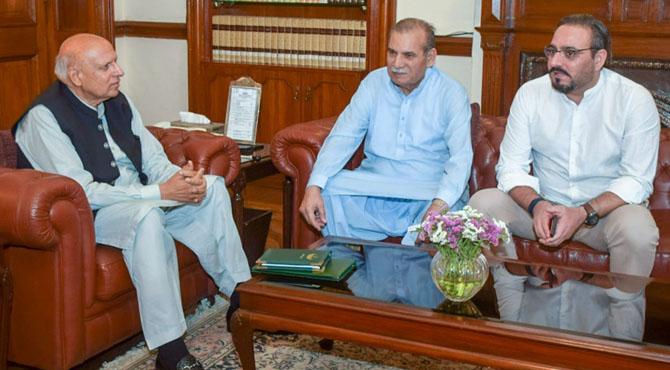 ضیا شاہد کے قلم سے لکھی کتاب '24ایڈیٹرز' کا گورنر پنجاب کو تحفہ 'کسان میلہ' کی تفصیلات بھی طے پا گئیں:چیف ایڈیٹر ضیا شاہدایڈیٹر امتنان شاہد کی چودھری محمد سرور سے اہم ملاقات