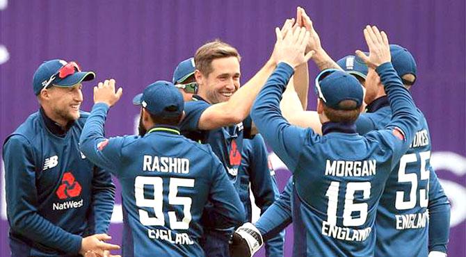 انگلینڈ نے پاکستان کو پانچویں ون ڈے میں بھی شکست دیدی