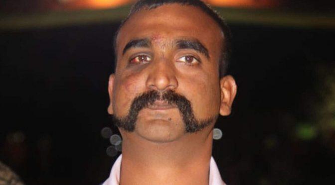 بھارت: ابھی نندن کی مونچھ کو 'قومی' قرار دینے کا مطالبہ