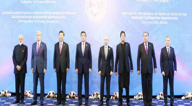 وزیر اعظم عمران خان کا صدر پیوٹن اور چینی صدرکے ساتھ دوستانہ رویہ،بڑے بڑے حیرا ن رہ گئے