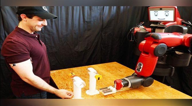 روبوٹ بھی ''بوتل کیپ چیلنج'' کھیلنے میں کامیاب ہوگیا!