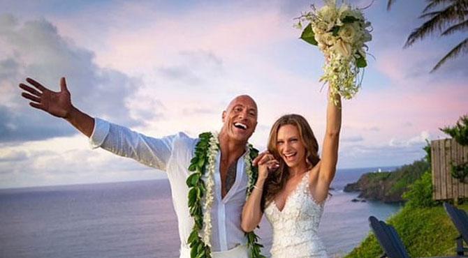 ہالی ووڈ اداکار اور نامور ریسلر 'دی راک' رشتہ ازدواج میں منسلک