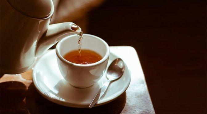چائے پینا عادت بنانے سے دماغ پر کیا اثرات مرتب ہوتے ہیں؟