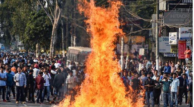 بھارتی پنجاب اسمبلی میں مودی کے متنازعہ قانون کے خلاف قرار داد منظور ،مظاہرے ،ہنگامے جاری