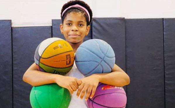 13 سالہ لڑکی نے ایک ساتھ تین باسکٹ بالز اچھالنے کا عالمی ریکارڈ بنا لیا