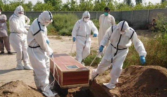 کورنا بے قابو: ایک دن میں ریکارڈ 105 افراد جاں بحق، 1 لاکھ 8 ہزار 317 متاثر