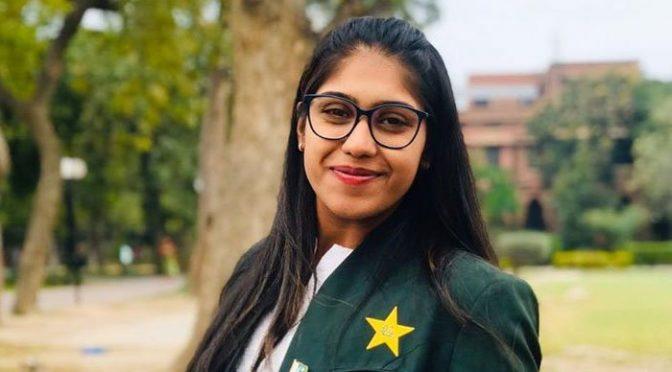 جس دن لاک ڈاون ختم ہوگا تو سب سے پہلے نیٹس پر جا کر کرکٹ کھیلوں گی: عائشہ ظفر